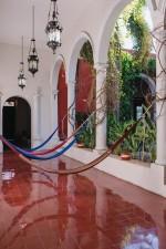 villa_merida_fountain_courtyard_hammock_gallery.jpg