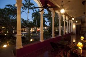 villa_merida_lower_rear_veranda_at_night.jpg