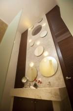 villa_merida_room_8_master_bathroom.jpg