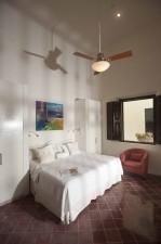 villa_merida_room_8_master_bedroom.jpg
