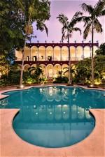villa_merida_the_pool.jpg